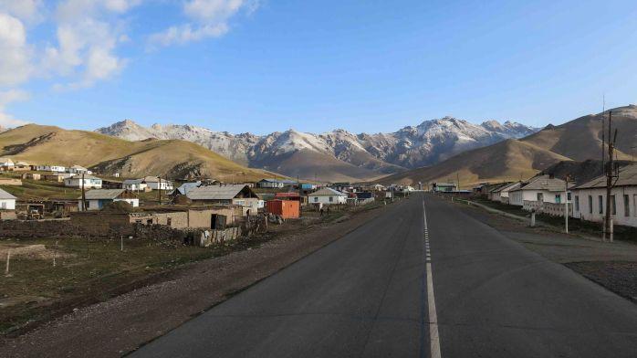 Sari Tash - gateway to Kyrgyzstan