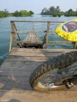 Boat to Don Det